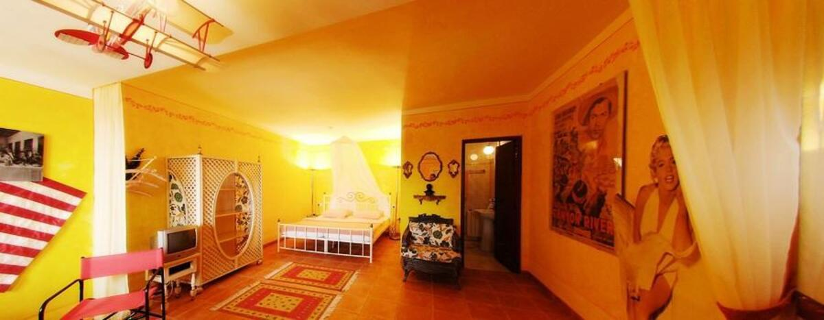VP70: Villas for sale in DENIA